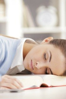 sleep deprivation in college students Chapter 2 sleep deprivation in teens and college students for many years, it has been argued that adolescents have different sleeping patterns from adults and children, but it has often been marked as laziness amongst teenagers by adults.